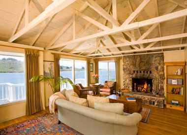 rosewater-living-room-jenner-inn